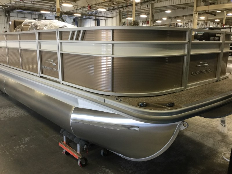 2021 Bennington boat for sale, model of the boat is 22 SFXAPG Dual Stern Gates & Image # 3 of 18