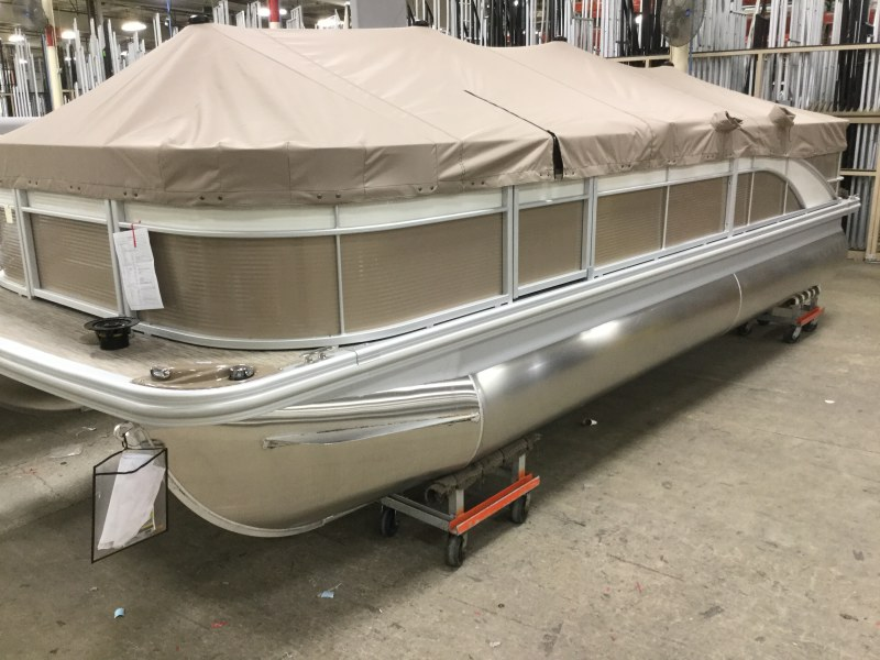 2021 Bennington boat for sale, model of the boat is 22 SFXAPG Dual Stern Gates & Image # 18 of 18