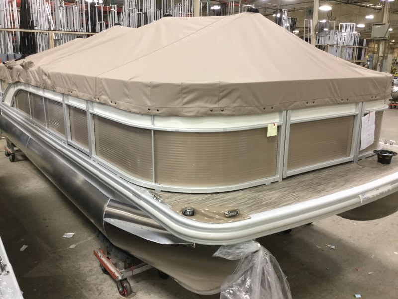 2021 Bennington boat for sale, model of the boat is 22 SFXAPG Dual Stern Gates & Image # 5 of 18