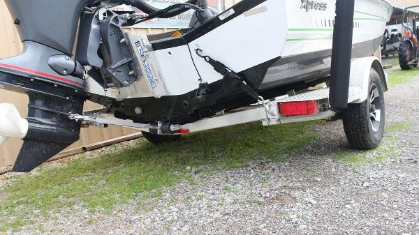 2021 Xpress boat for sale, model of the boat is X18 Pro & Image # 8 of 11