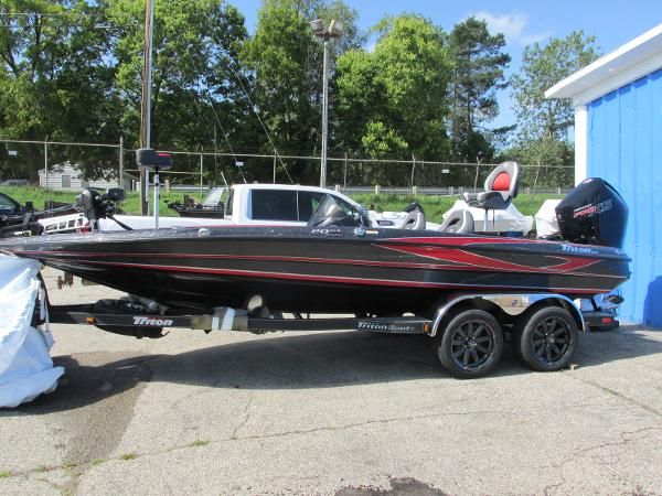 2020 Triton boat for sale, model of the boat is 20 TRX & Image # 1 of 21