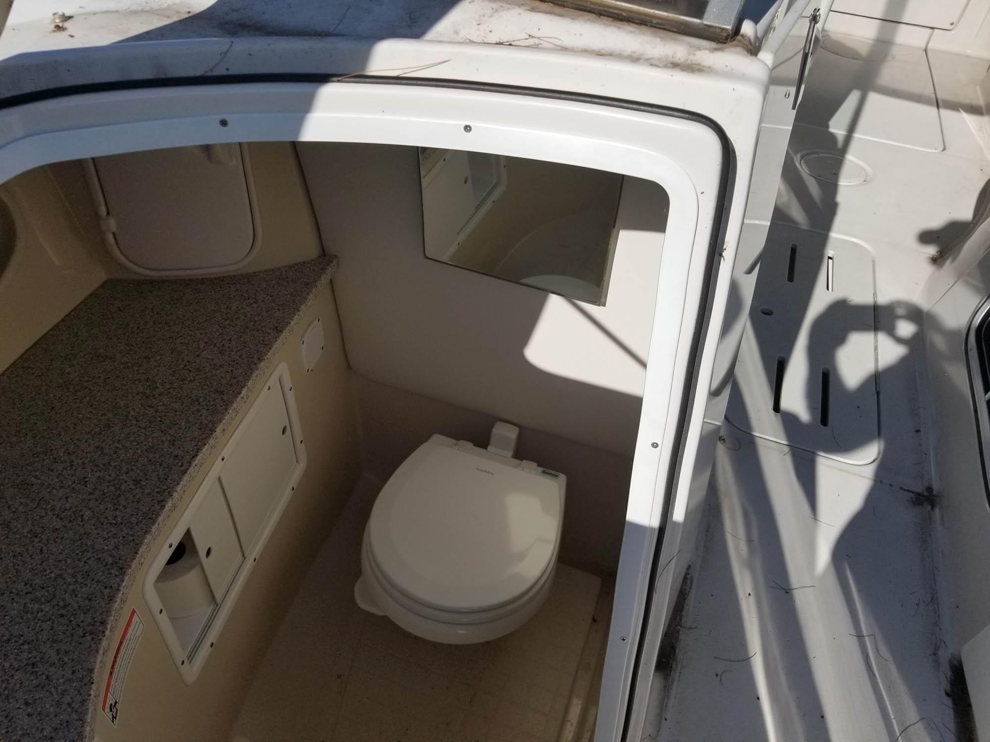 NY 5682 RP Knot 10 Yacht Sales