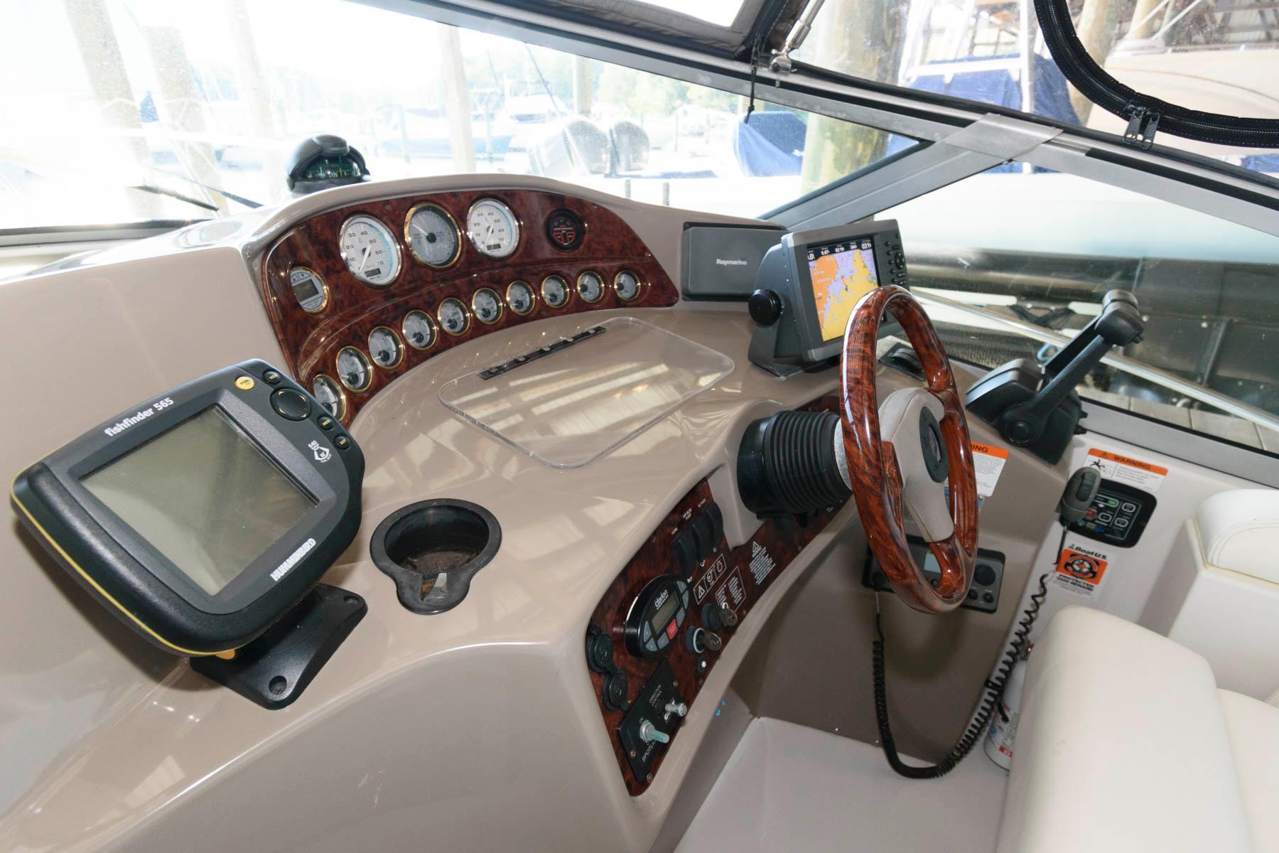 M 6466 TW Knot 10 Yacht Sales