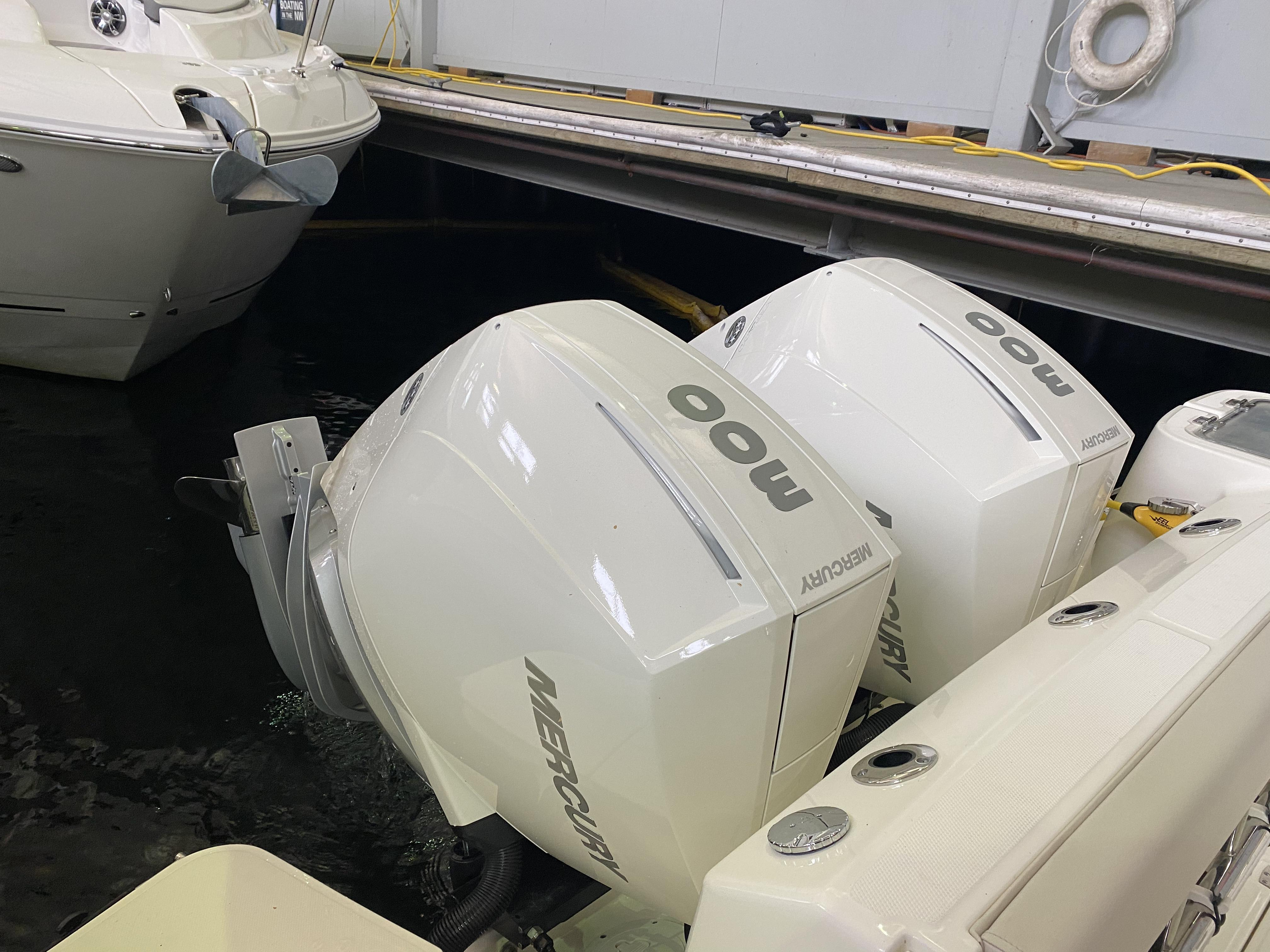2021 Boston Whaler 325 Conquest Pilothouse