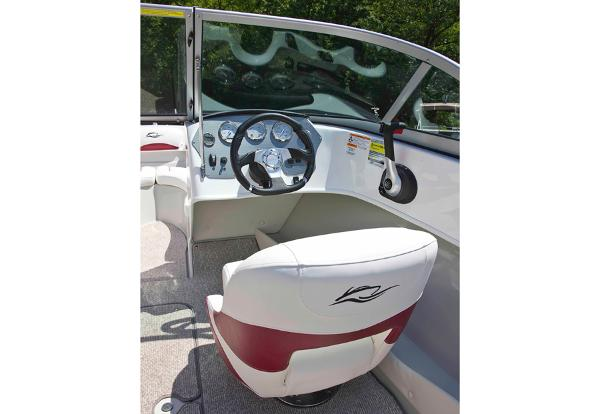2014 Rinker boat for sale, model of the boat is Captiva 186 BR & Image # 3 of 5
