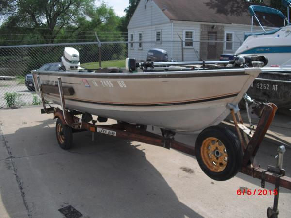 1986 Alumacraft boat for sale, model of the boat is 14' V & Image # 4 of 12