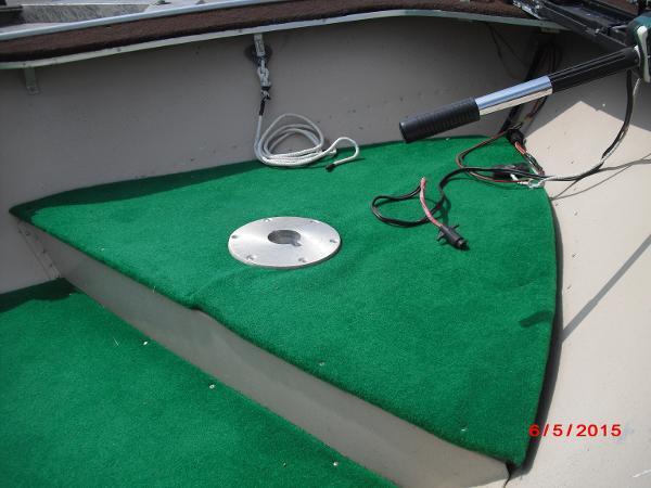 1986 Alumacraft boat for sale, model of the boat is 14' V & Image # 7 of 12