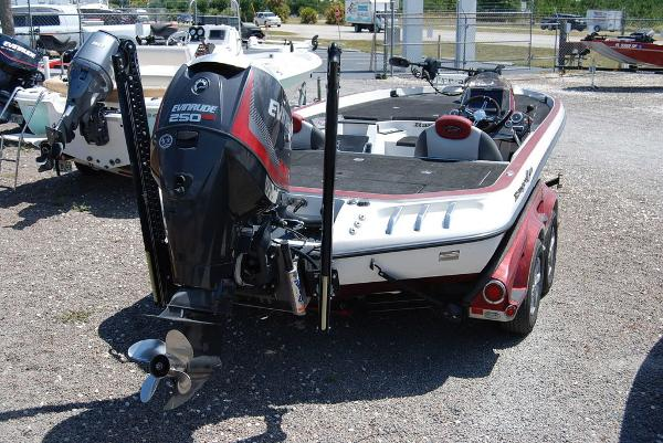 2014 Ranger Boats boat for sale, model of the boat is Z520C & Image # 8 of 10