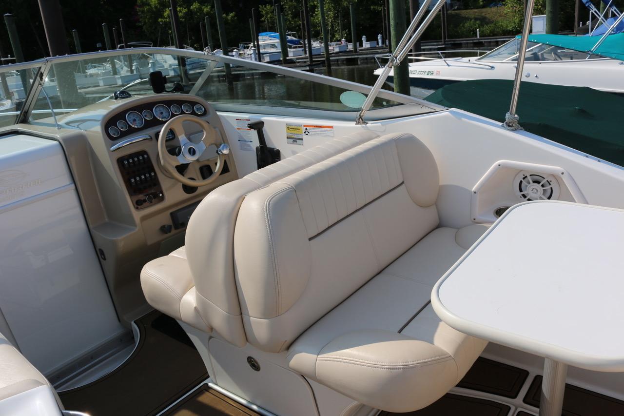 V 6396 BH Knot 10 Yacht Sales