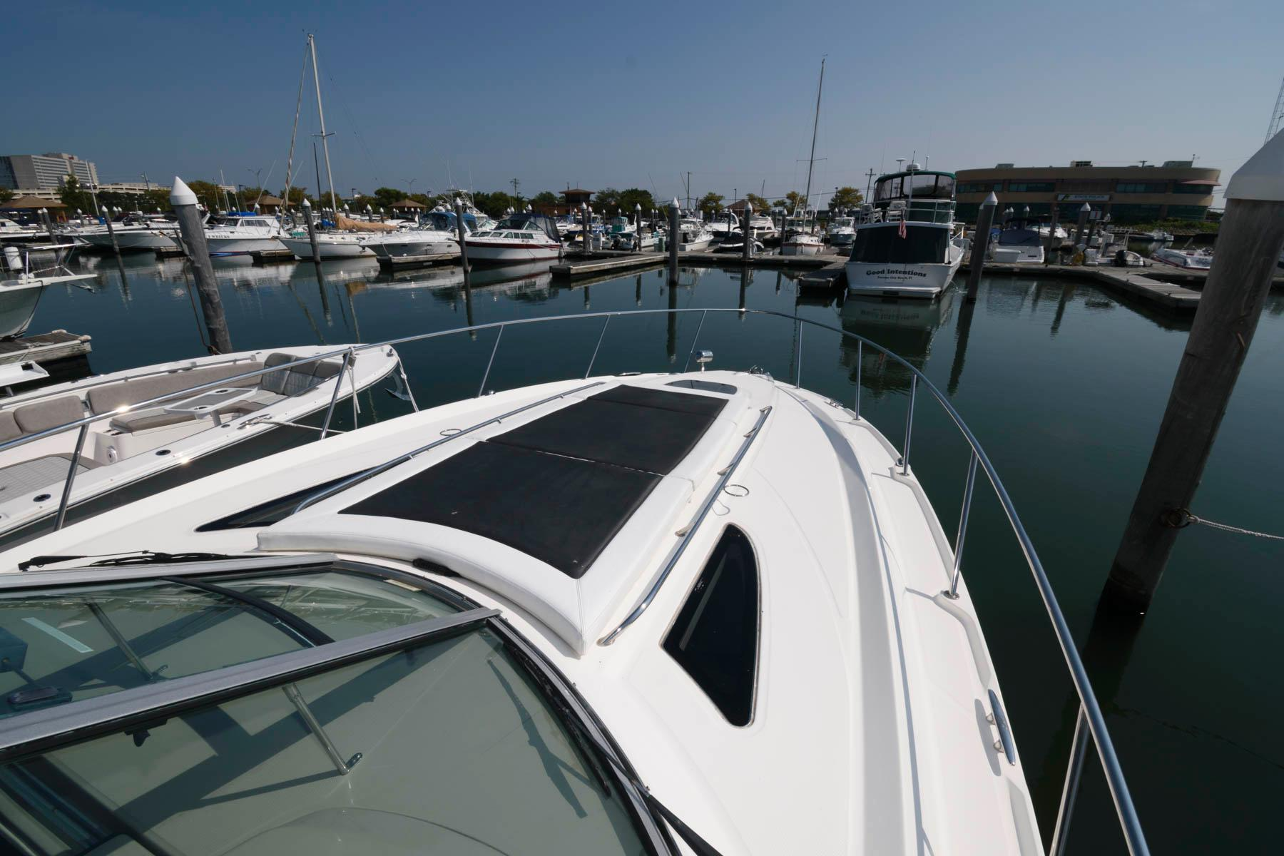 NJ 6402 JD Knot 10 Yacht Sales