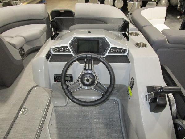 2021 Manitou boat for sale, model of the boat is RF 23 Oasis VP II & Image # 15 of 42