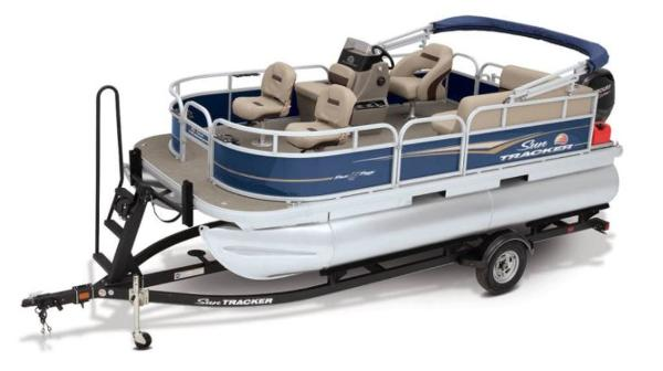 2022 Sun Tracker boat for sale, model of the boat is Bass Buggy® 16 XL Select & Image # 1 of 1