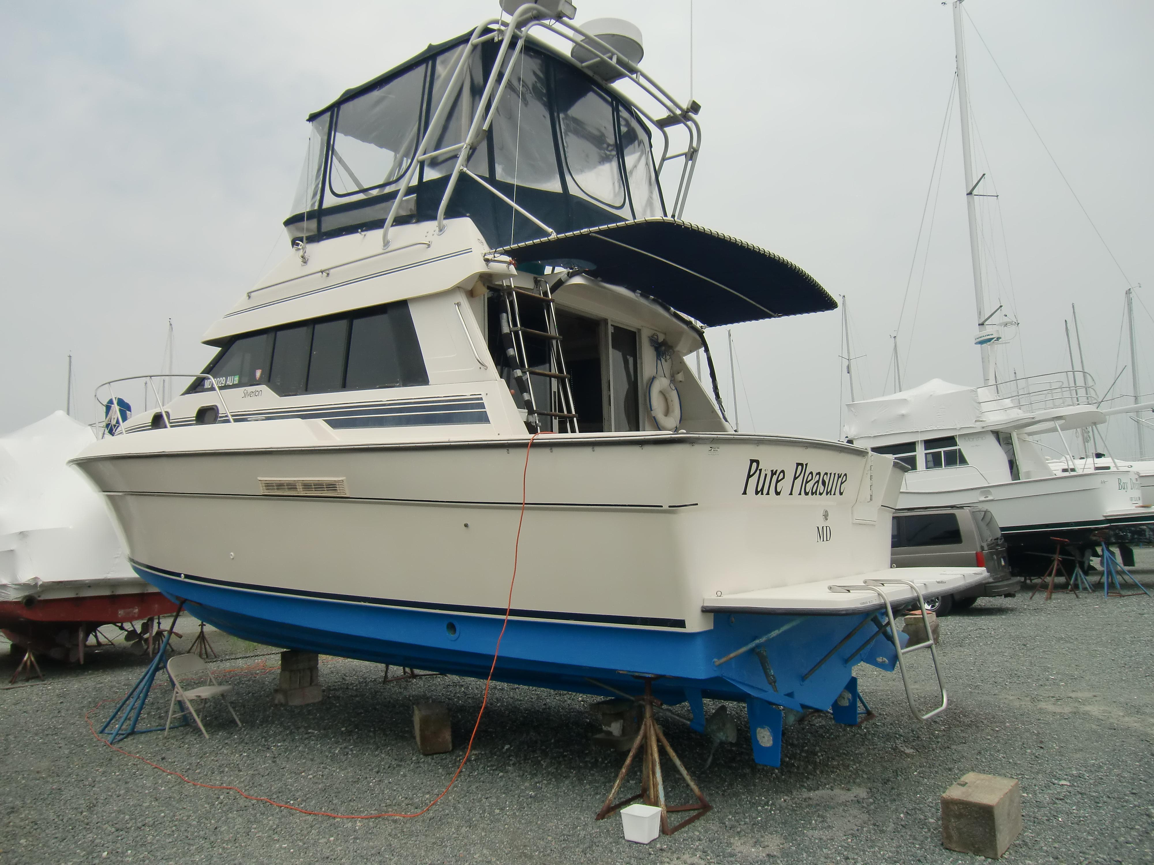 M 6181 RD Knot 10 Yacht Sales