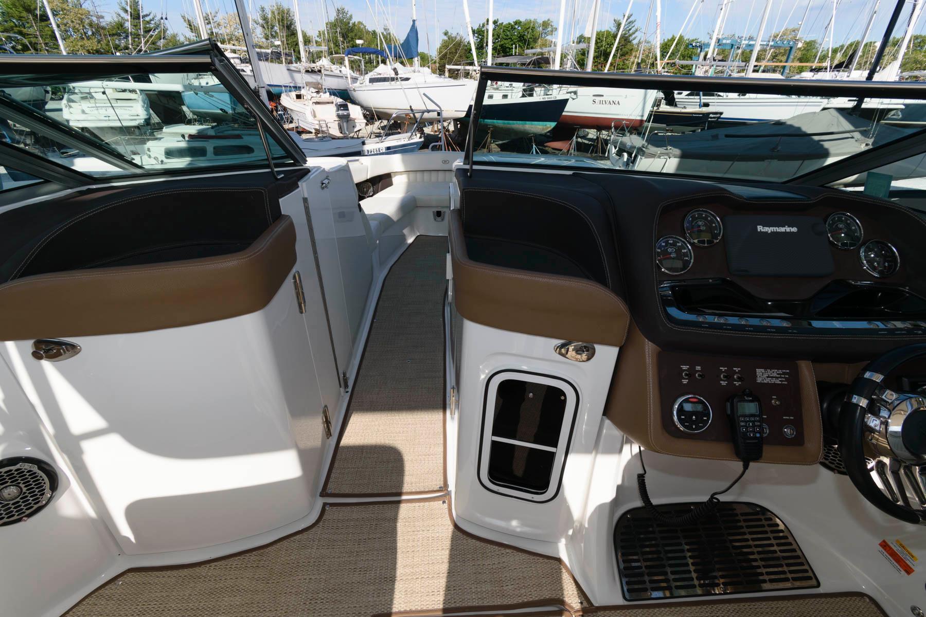 M 6123 DD Knot 10 Yacht Sales