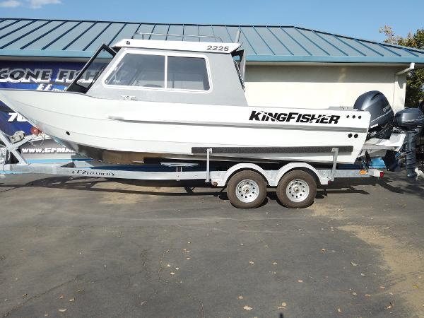 2020 Kingfisher boat for sale, model of the boat is 2225 Escape HT & Image # 1 of 10