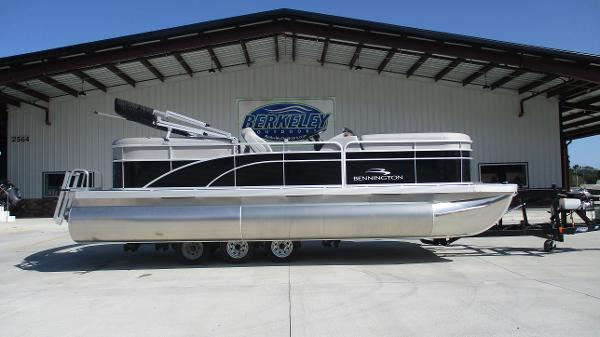 2021 Bennington boat for sale, model of the boat is 22 SVSR & Image # 3 of 47
