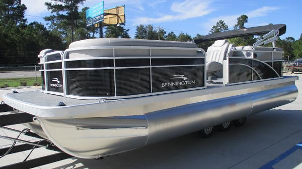 2021 Bennington boat for sale, model of the boat is 22 SVSR & Image # 2 of 47