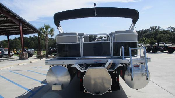 2021 Bennington boat for sale, model of the boat is 22 SVSR & Image # 8 of 47