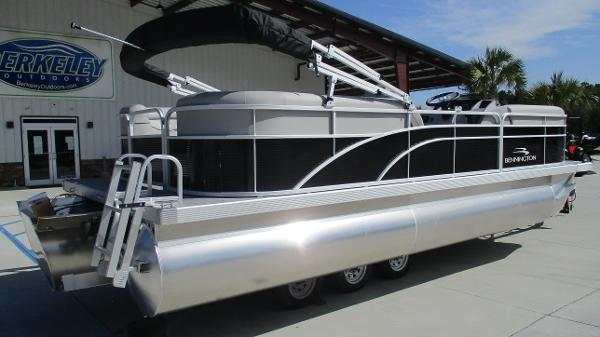 2021 Bennington boat for sale, model of the boat is 22 SVSR & Image # 5 of 47