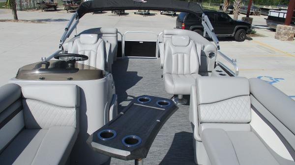 2021 Bennington boat for sale, model of the boat is 22 SVSR & Image # 11 of 47