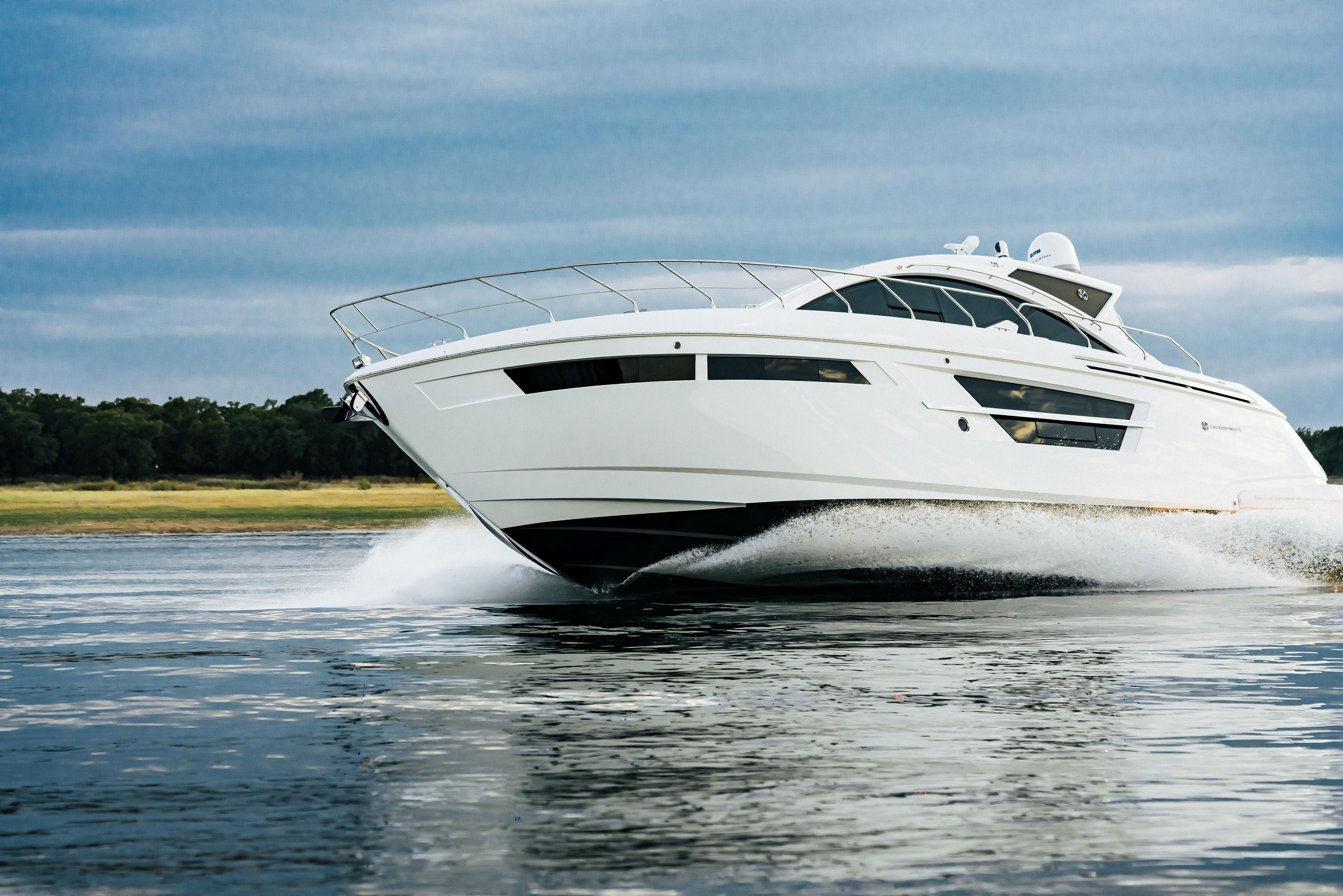 54' Cruisers Yachts 2020