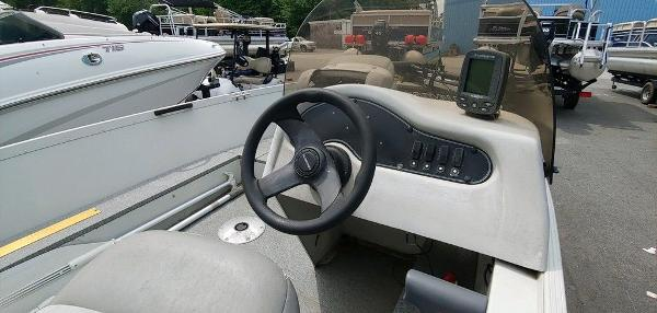 2008 Alumacraft boat for sale, model of the boat is 160 Fisherman CS & Image # 9 of 10