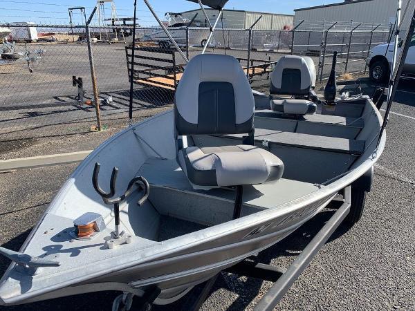 2004 Gregor boat for sale, model of the boat is 14' Deep Vee & Image # 4 of 24