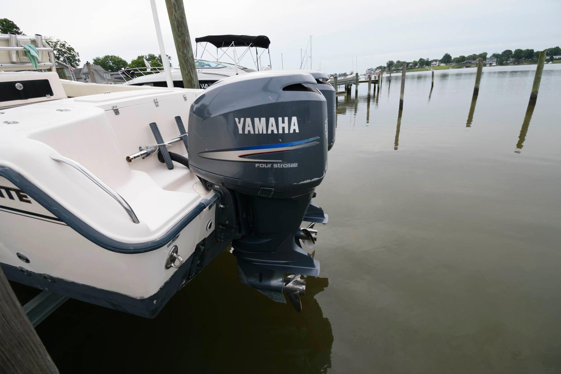 M 6346 TW Knot 10 Yacht Sales