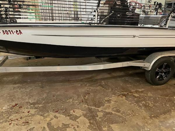 2020 Xpress boat for sale, model of the boat is H22B & Image # 1 of 15