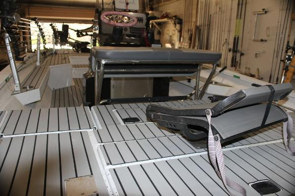 2020 Xpress boat for sale, model of the boat is H22B & Image # 7 of 15