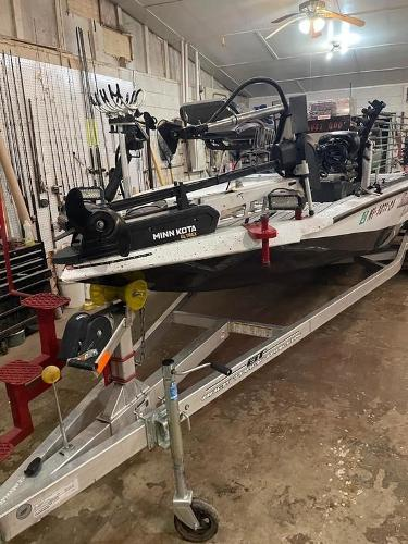 2020 Xpress boat for sale, model of the boat is H22B & Image # 14 of 15