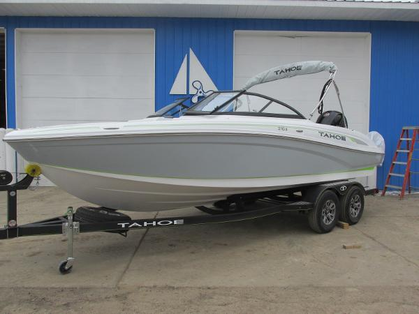 2021 Tahoe boat for sale, model of the boat is 210 S & Image # 1 of 44