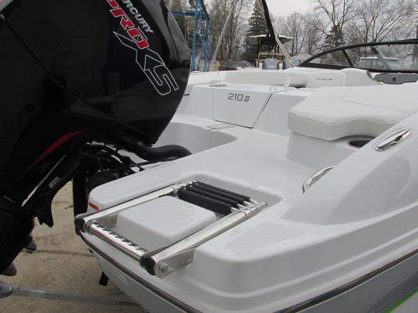2021 Tahoe boat for sale, model of the boat is 210 S & Image # 9 of 44