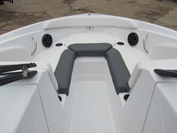 2021 Tahoe boat for sale, model of the boat is 210 S & Image # 15 of 44