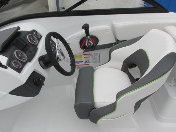 2021 Tahoe boat for sale, model of the boat is 210 S & Image # 31 of 44