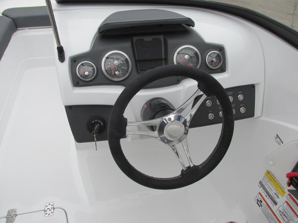 2021 Tahoe boat for sale, model of the boat is 210 S & Image # 33 of 44