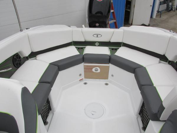 2021 Tahoe boat for sale, model of the boat is 210 S & Image # 36 of 44