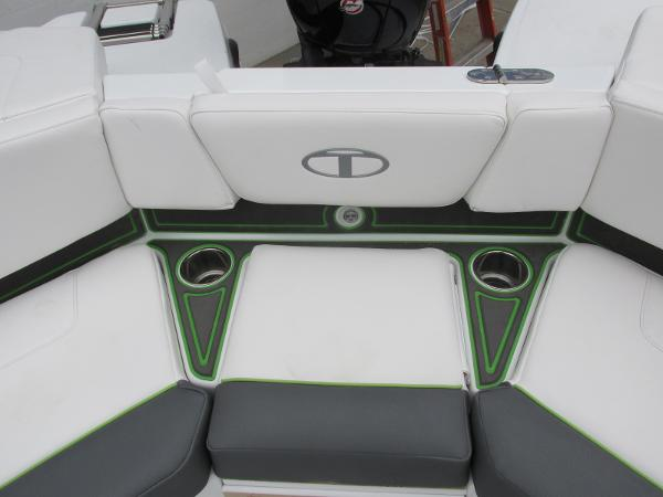 2021 Tahoe boat for sale, model of the boat is 210 S & Image # 40 of 44