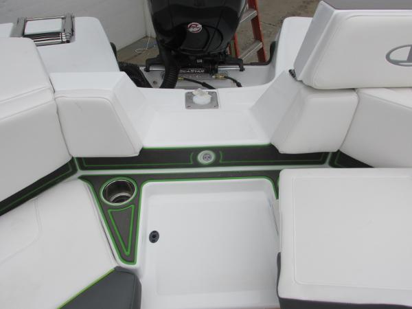 2021 Tahoe boat for sale, model of the boat is 210 S & Image # 41 of 44