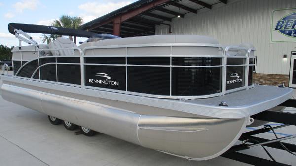 2021 Bennington boat for sale, model of the boat is 22 SVSR & Image # 1 of 48