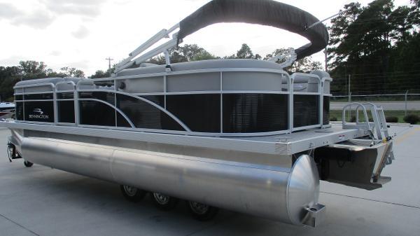 2021 Bennington boat for sale, model of the boat is 22 SVSR & Image # 6 of 48
