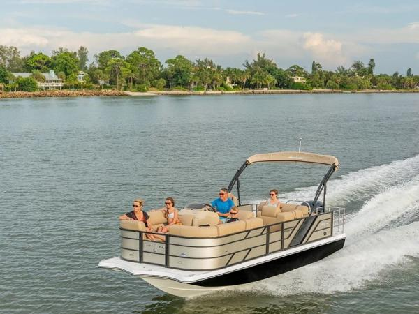 2021 Hurricane boat for sale, model of the boat is FunDeck 236 SFL OB & Image # 1 of 1