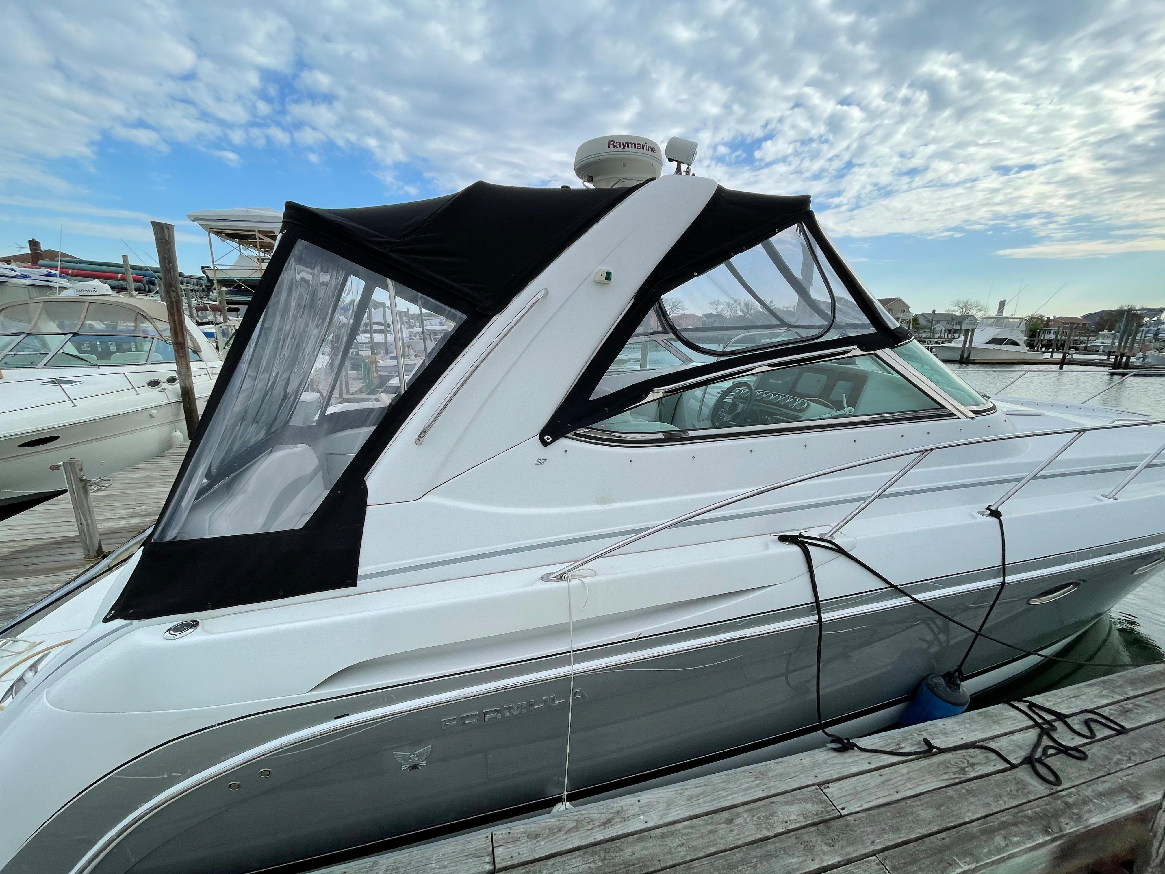 NY 5793 KM Knot 10 Yacht Sales
