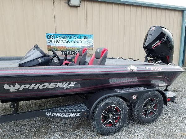 2021 Phoenix boat for sale, model of the boat is 721 ProXP & Image # 4 of 45