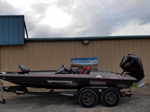 2021 Phoenix boat for sale, model of the boat is 721 ProXP & Image # 30 of 45