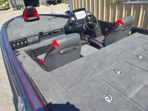 2021 Phoenix boat for sale, model of the boat is 721 ProXP & Image # 33 of 45