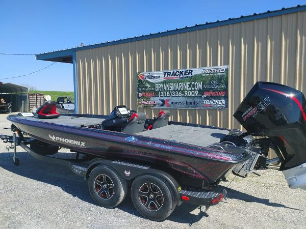 2021 Phoenix boat for sale, model of the boat is 721 ProXP & Image # 37 of 45