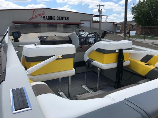 1990 Baja boat for sale, model of the boat is 250 & Image # 18 of 20