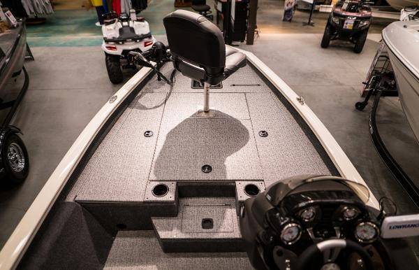 2022 Tracker Boats boat for sale, model of the boat is Pro Team 175 TXW & Image # 10 of 24