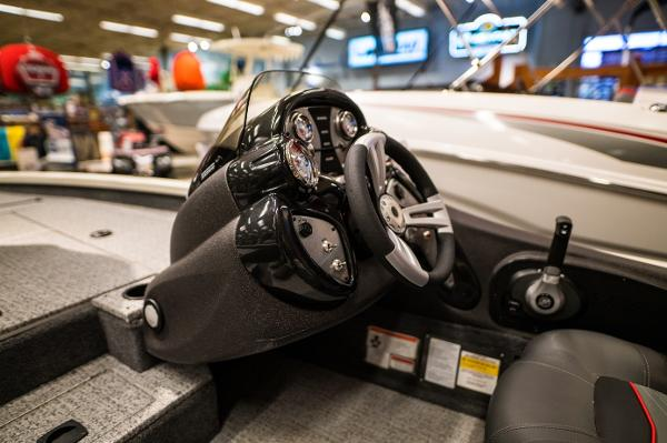 2022 Tracker Boats boat for sale, model of the boat is Pro Team 175 TXW & Image # 13 of 24